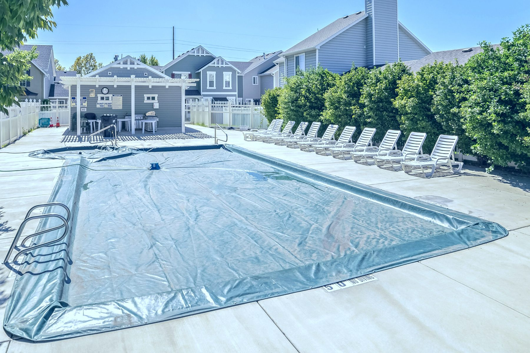 Should I Close My Pool for Winter?